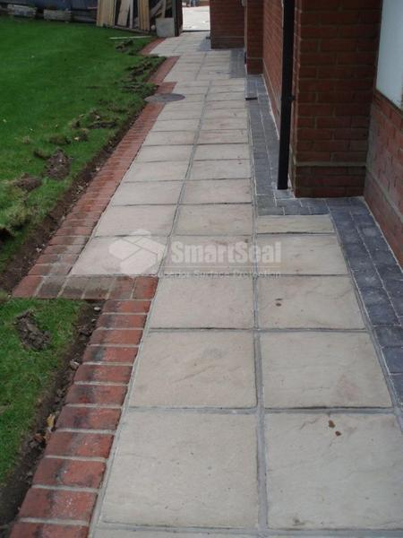Paving slabs after pressure cleaning