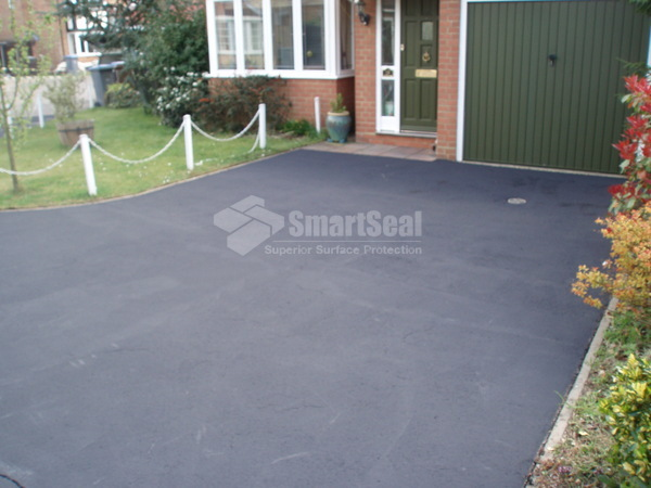 After caoting with tarmac restorer
